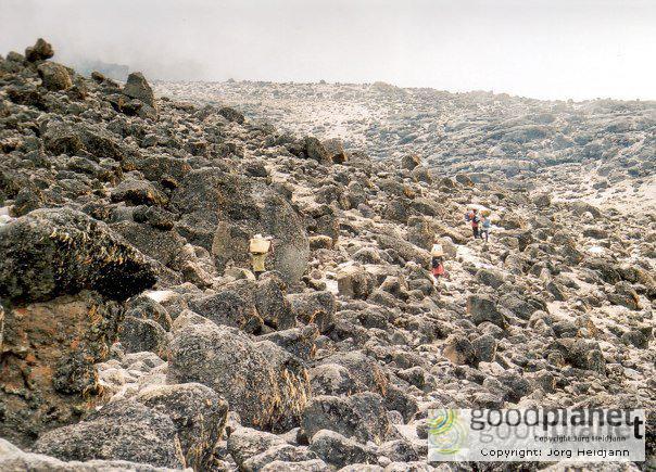 Mondlandschaft am Kilimandscharo
