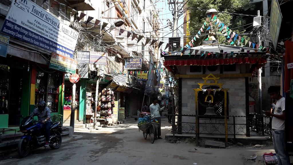 Kathmandu_Straßen-Tempel