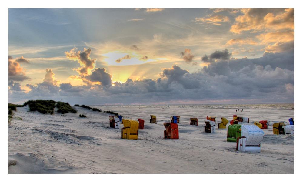schöne Strandaufnahme bei perfektem Abendlicht