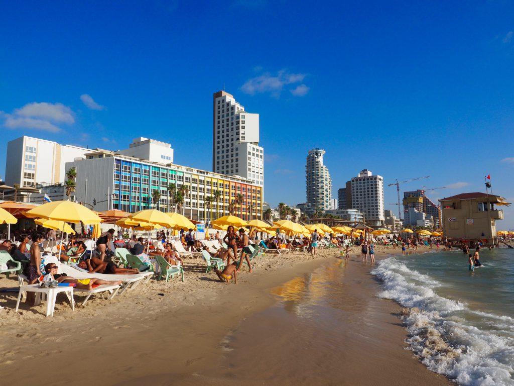 Strand Tel Avivi - Foto Jörg Heidjann