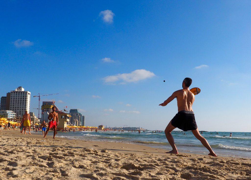 Strandtennis in Tel Aviv - Foto Jörg Heidjann