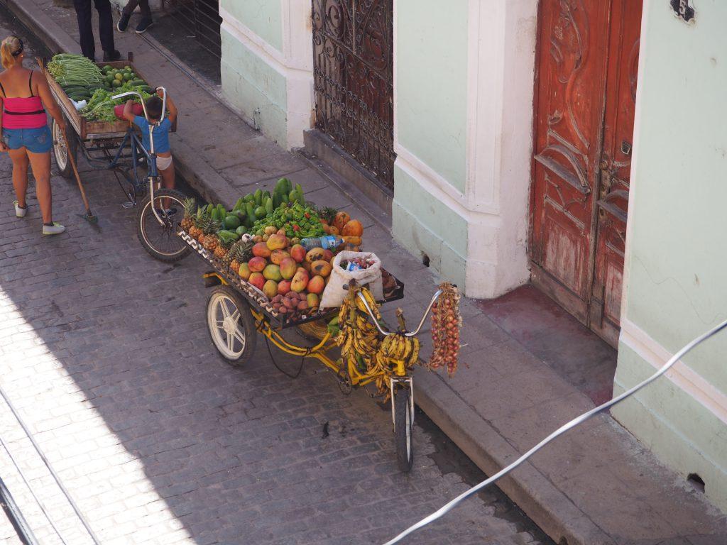 Früchte- und Gemüsevelo in Camagüey